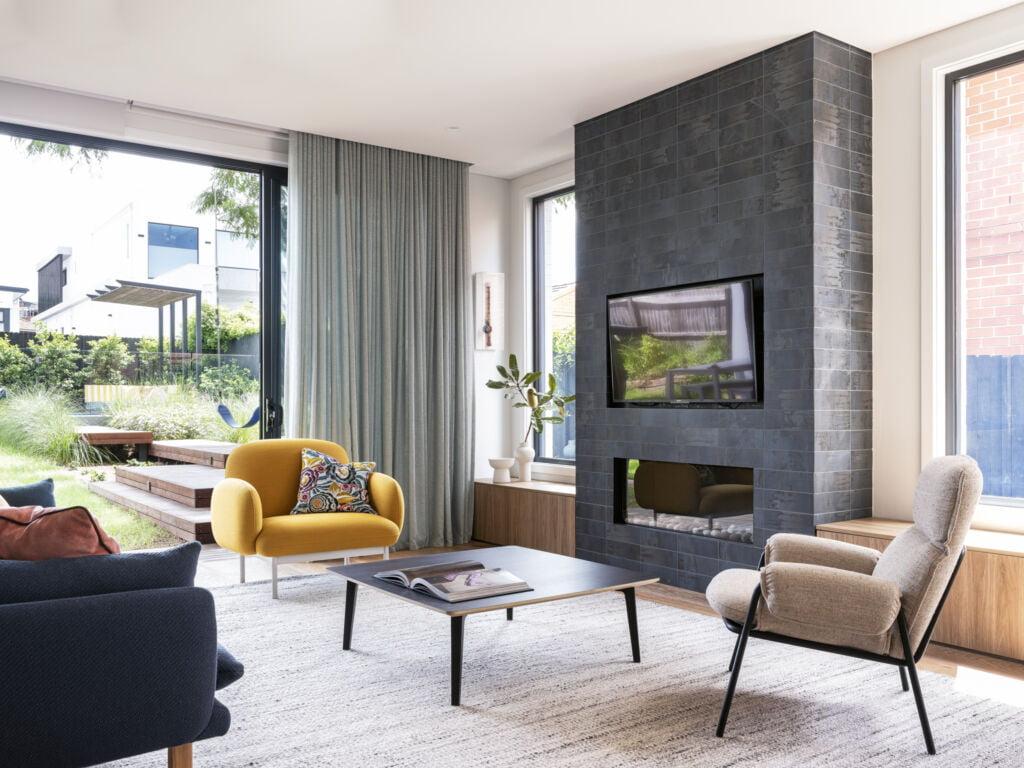 #zaviecreative #interiordesign #residentialdesign #furniture #residentialcolourscheme #interiordecorating #livingroomdesign #familyroomdesign #indooroutdoorliving #sydneyhome #residentialinteriordesign #fireplacedesign #customjoinery