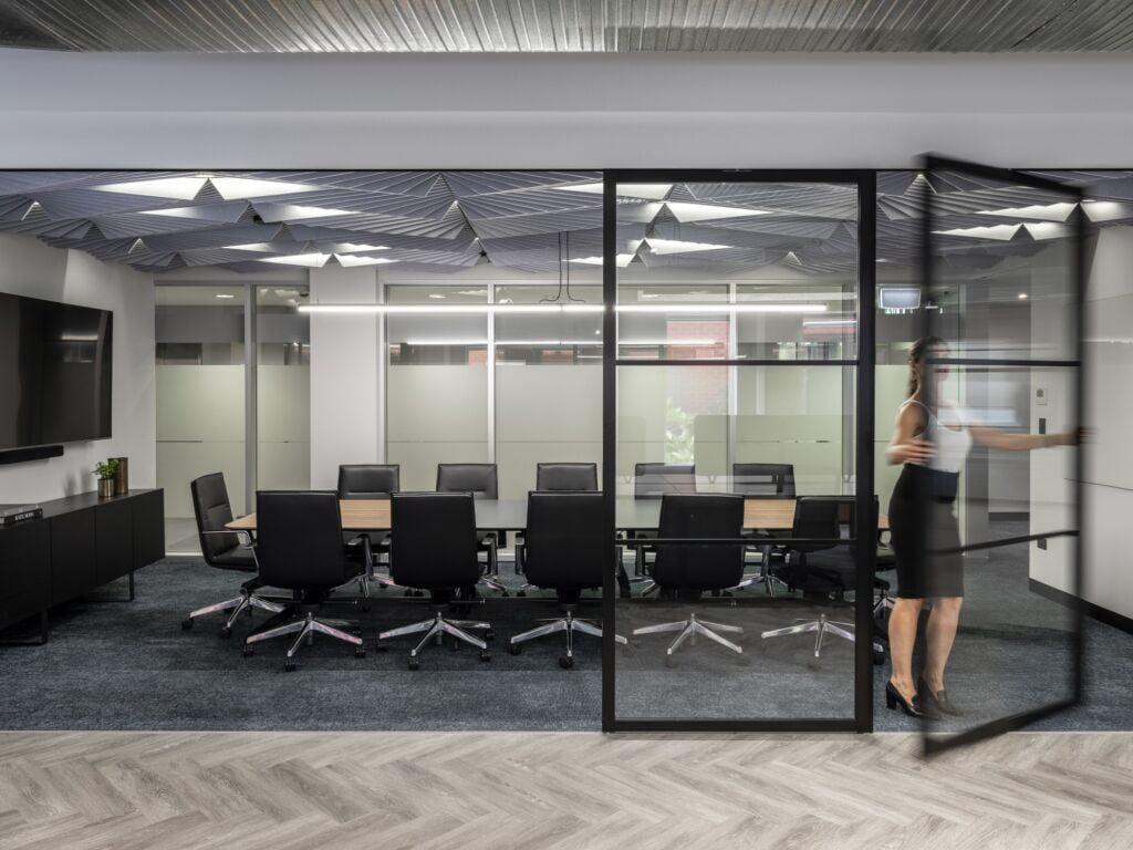 #morethanspace #interiordesign #commercialdesign #officedesign #workplacedesign #workspacedesign #workplacecollaboration #meetingroom #ceilingacoustics #operablewalls #industrialofficedesign #herringbonefloor