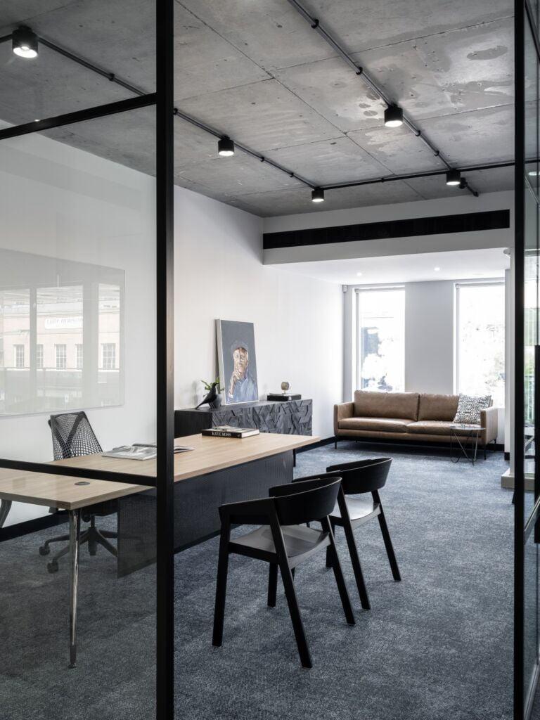 #morethanspace #interiordesign #commercialdesign #officedesign #workplacedesign #workspacedesign #privateofficedesign #glasspartition #functionalspaces #industrialofficedesign